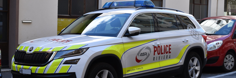 Voiture de police de l'ASR
