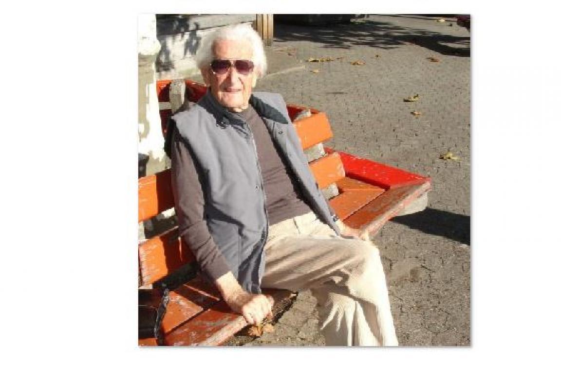 Hugues Cuenod à la Place du Marche 28 Oct 2005